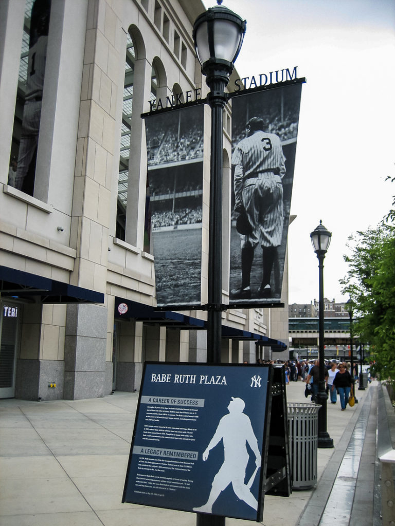 babe_ruth_plaza_lamp_post